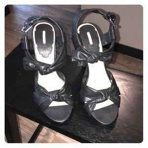 MAX STUDIO sandals size 9 black
